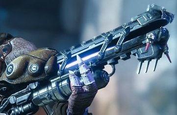 Raider is holding scorn rifle